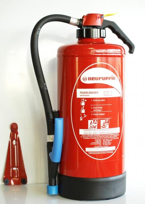 Wasser-Feuerlöscher 6 Liter *Neuruppin W6 WNA mit F-500 - Aufladelöscher